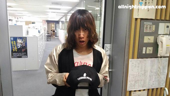 今どきの中学生は「着メロ」を知らない?渋谷龍太が、ガラケーを使った企画を開催!